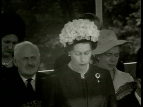 queen no longer speaks queen's english lib runnymeade b/w footage queen giving speech at memorial dedicated to john f kennedy sot bv people in crowd... - jackie kennedy stock-videos und b-roll-filmmaterial