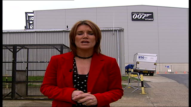 queen opens new entrance at pinewood studios; sign for '007' bond sound stage pull out to reporter to camera int queen meeting cast and crew of 'my... - såpopera bildbanksvideor och videomaterial från bakom kulisserna
