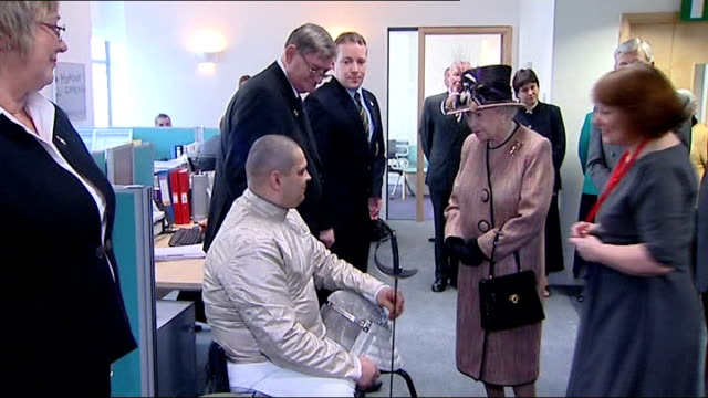 vídeos de stock e filmes b-roll de queen opens new royal british legion headquarters in borough; queen opens new royal british legion headquarters in borough; int various of queen... - alastair stewart
