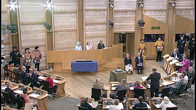 queen opens new session of the scottish parliament alex salmond speech sot your majesty on behalf of the people of scotland can i thank you for... - james joyce stock-videos und b-roll-filmmaterial