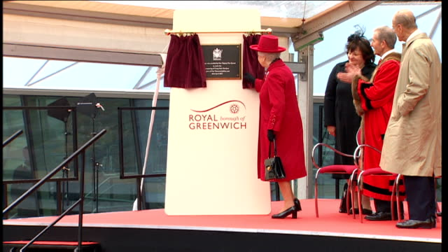 queen re-opens cutty sark to the public and launches diamond jubilee barge; england: london: greenwich: ext queen elizabeth ii and prince philip,... - diamantenes jubiläum stock-videos und b-roll-filmmaterial