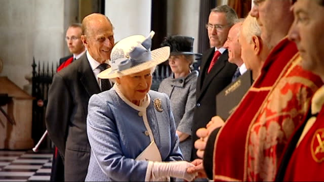 queen speaks of role of church of england in speech at lambeth palace lib st paul's cathedral int **music heard sot** queen shaking hands with... - lambeth stock-videos und b-roll-filmmaterial