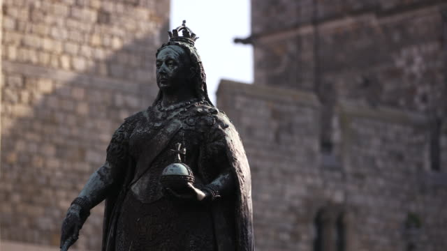 queen victoria statue outside of windsor castle in windsor, england - sphere stock videos & royalty-free footage