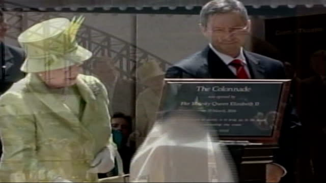 Sydney EXT Queen Elizabeth II unveiling plaque to open the new colonnade of the Sydney Opera House Detail of plaque with Queen beside