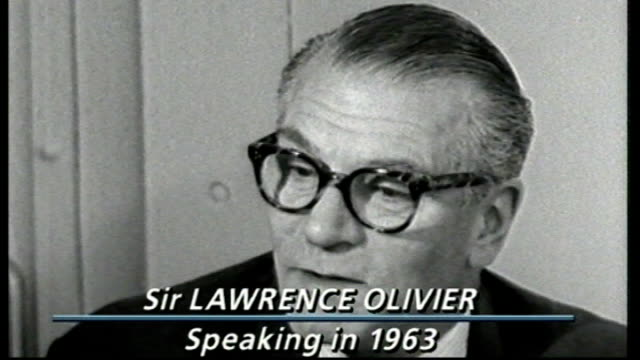 queen visits national theatre on it's golden anniversary; t27108808 b/w sir laurence olivier interview sot - ローレンス オリビエ点の映像素材/bロール