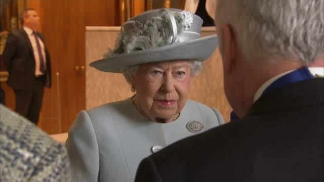 queen visits royal college of physicians to mark 500th anniversary; england: london: royal college of physicians: int queen elizabeth ii along and... - royal blue stock videos & royalty-free footage