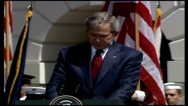 queen welcomed at white house during royal visit george w bush speech including near gaffe sot you helped our nation celebrate its bicentennial in 17... - 2007 stock videos & royalty-free footage