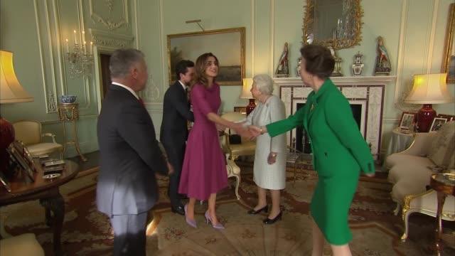 Queen welcomes King of Jordan at Buckingham Palace London Buckingham Palace PHOTOGRAPHY*** King Abdullah II of Jordan Queen Rania of Jordan and...