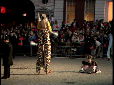 queen's 60th birthday; thames pool night covent garden tms group of entertainers in traditional costume - juggler & musicians playing pull out queen... - jonglieren stock-videos und b-roll-filmmaterial
