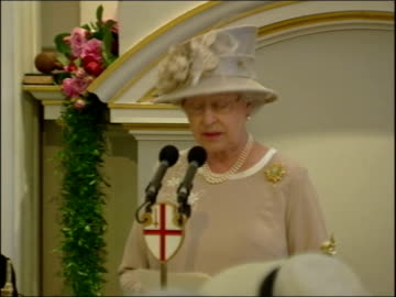 queen's 80th birthday: birthday lunch at mansion house; fanfare heard being played by trumpeters sot queen elizabeth ii speech sot - my lord mayor, i... - プリンスズトラスト点の映像素材/bロール