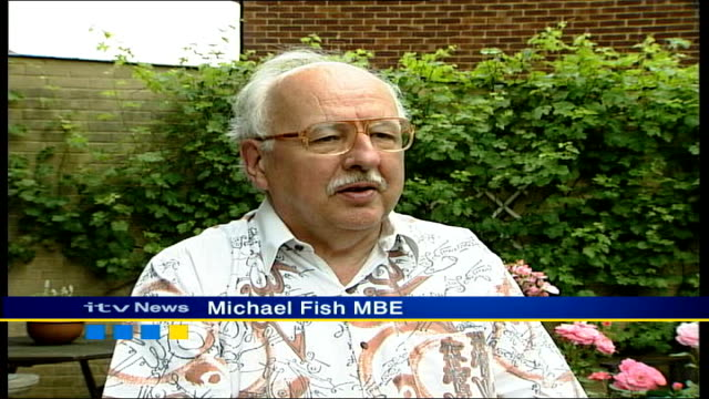 queen's birthday honours list; itn location unknown: ext michael fish mbe interview sot - wonderful, its an honour location unknown: int colin parry... - itv weekend late news点の映像素材/bロール