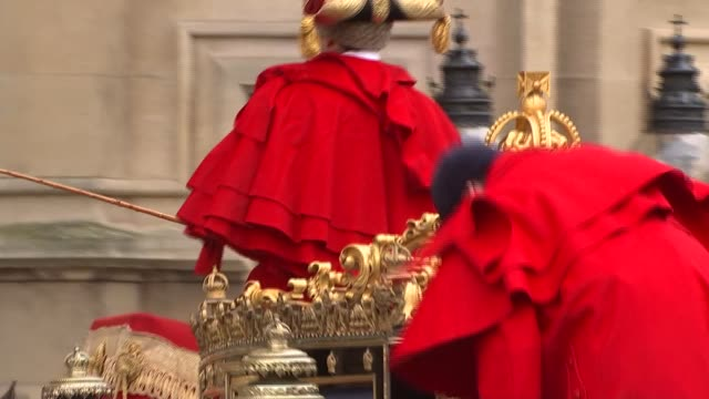queen's speech royal coaches arrive royal coach along containing prince charles and camilla followed by bentley / household cavalry along / royal... - the queen's speech state opening of uk parliament stock videos & royalty-free footage