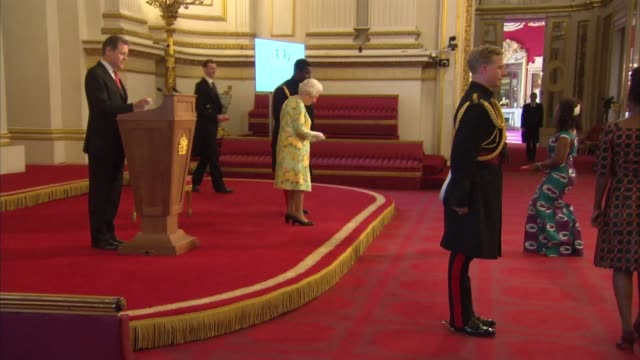 queen's young leaders programme reception at buckingham palace reception and awards ceremony england london buckingham palace int baroness scotland... - auszeichnung stock-videos und b-roll-filmmaterial