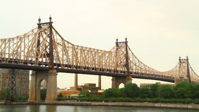 queensboro bridge - queensboro bridge stock videos & royalty-free footage