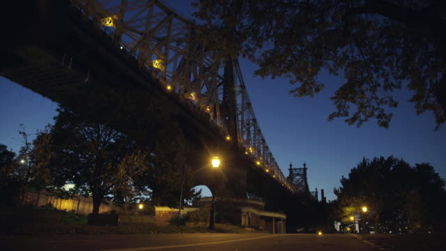queensboro bridge - establishing shot stock videos & royalty-free footage