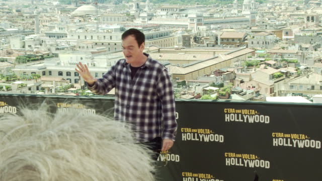 """vídeos de stock e filmes b-roll de quentin tarantino at """"once upon a time in hollywood"""" photocall in rome at hotel de la ville on august 3, 2019 in rome, italy. - quentin tarantino"""