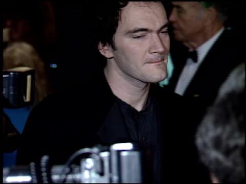 vídeos de stock e filmes b-roll de quentin tarantino at the dga awards at dga theater in los angeles, california on march 11, 1995. - quentin tarantino