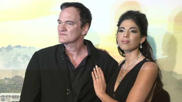 """vídeos de stock e filmes b-roll de quentin tarantino at the """"once upon a time in hollywood"""" premiere in rome - quentin tarantino"""