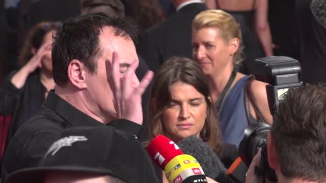 vídeos de stock e filmes b-roll de quentin tarantino on august 01, 2019 in berlin, germany. - quentin tarantino