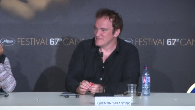 vídeos de stock e filmes b-roll de quentin tarantino on his new film at 'pulp fiction' press conference at palais des festivals on may 23, 2014 in cannes, france. - quentin tarantino