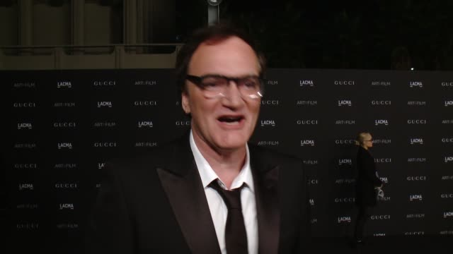 vídeos de stock e filmes b-roll de quentin tarantino on what it means to be receiving this honor from lacma, why its important to celebrate & support art and film and talks about the... - quentin tarantino