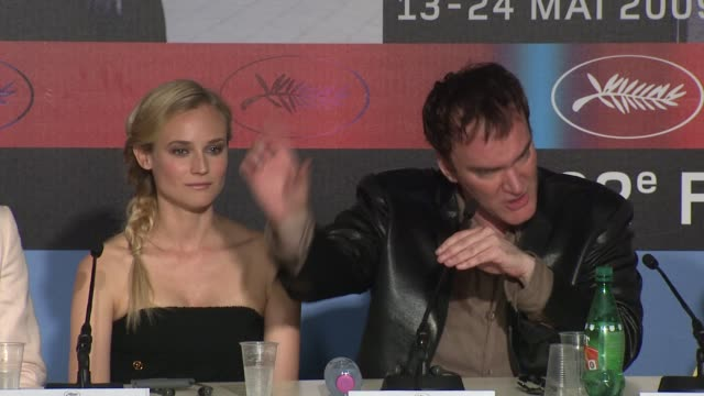 quentin tarantino on whether it is a jewish vengeance film at the cannes film festival 2009 inglourious basterds press conference arrivals at cannes - 62 ° festival internazionale del cinema di cannes video stock e b–roll