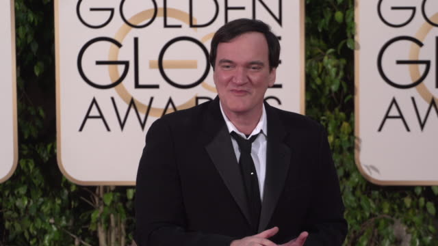 vídeos de stock e filmes b-roll de quentin tarrantino at the 73rd annual golden globe awards - arrivals at the beverly hilton hotel on january 10, 2016 in beverly hills, california. 4k... - quentin tarantino