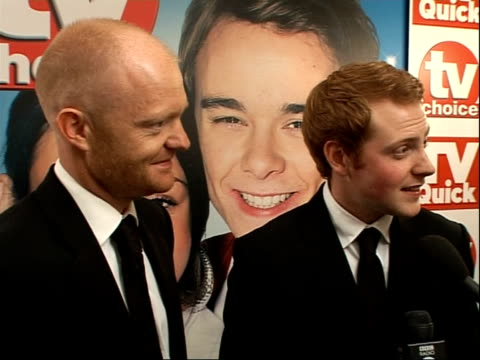 vídeos de stock e filmes b-roll de arrivals and winners interviewed eastenders actors charlie clements and jake wood interview sot on winning award for best actor on eastenders winning... - eastenders