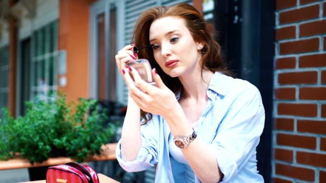 vídeos y material grabado en eventos de stock de maquillaje rápido. - cuidado del cuerpo