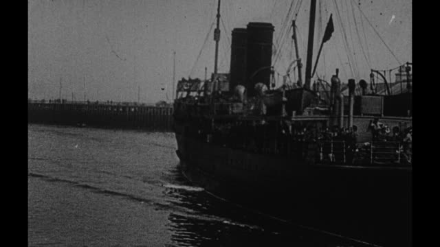 'Safe though the UBoat Zone and nearing the shore of France' / ship carrying scores of military men arrives in harbor