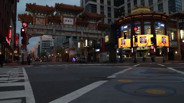 vídeos de stock, filmes e b-roll de a quiet chinatown is seen april 1 2020 in washington dc the district of columbia has joined other states and territories including neighboring... - maryland estado