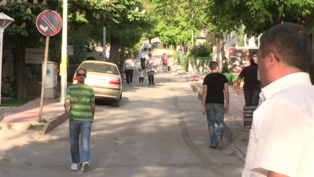 quiet road in ankara, turkey - 中東点の映像素材/bロール