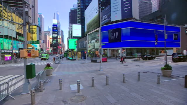 quiet times square as coronavirus lockdown restrictions are eased in new york - times square manhattan stock videos & royalty-free footage
