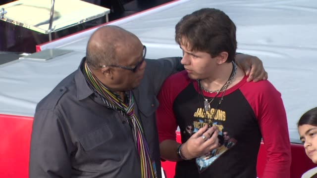 quincy jones and prince jackson at michael jackson immortalized with hand and footprint ceremony in hollywood, ca, on 1/26/2012 - quincy jones stock-videos und b-roll-filmmaterial