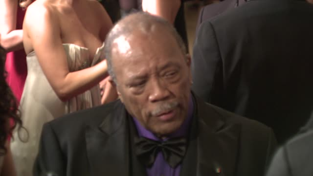 quincy jones at the 30th anniversary carousel of hope ball presented by mercedes-benz at los angeles ca. - quincy jones stock-videos und b-roll-filmmaterial