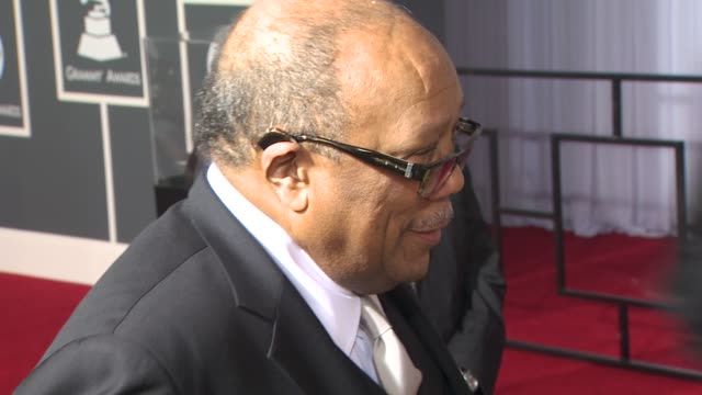 quincy jones at the 52nd annual grammy awards - arrivals part 2 at los angeles ca. - quincy jones stock-videos und b-roll-filmmaterial
