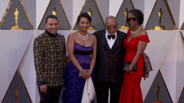 quincy jones at the 88th annual academy awards - arrivals at hollywood & highland center on february 28, 2016 in hollywood, california. 4k available... - quincy jones stock-videos und b-roll-filmmaterial