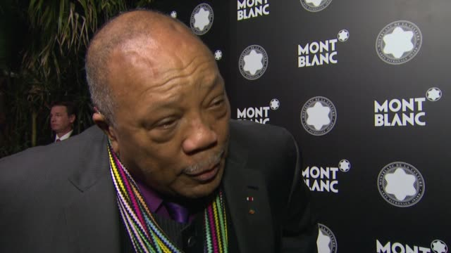 stockvideo's en b-roll-footage met quincy jones on montblanc at the montblanc de la culture arts patronage awards ceremony on 10/02/12 in los angeles california - arts culture and entertainment