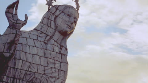 quito - virgin of el panecillo - stål bildbanksvideor och videomaterial från bakom kulisserna