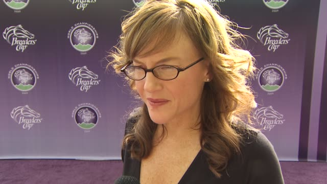 rachael harris on how big of a horse racing fan she is_what research she did to prepare working with courteney coxarquette on cougar town at the... - rachael harris stock videos and b-roll footage