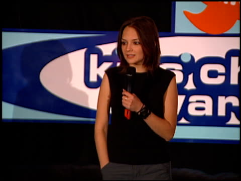 vídeos de stock e filmes b-roll de rachael leigh cook at the 1999 nickelodeon kids' choice awards at ucla in westwood california on may 1 1999 - nickelodeon kids' choice awards