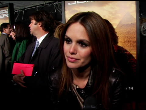 rachel bilson talks about her character being a strong woman how she was drawn to the film because doug liman is her favorite director how she would... - ジャンパー点の映像素材/bロール