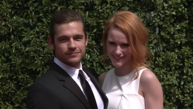 rachel brosnahan and jason ralph at the 2015 creative arts emmy awards at microsoft theater on september 12 2015 in los angeles california - emmy awards stock-videos und b-roll-filmmaterial