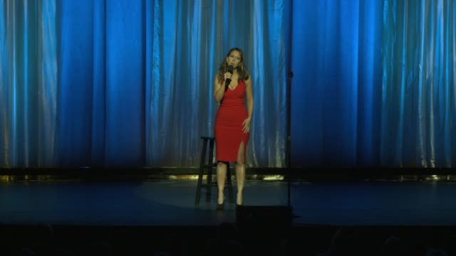 stockvideo's en b-roll-footage met speech rachel feinstein at international myeloma foundation's 11th annual comedy celebration benefiting the peter boyle research fund at the wilshire... - wilshire ebell theatre