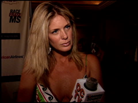 vidéos et rushes de rachel hunter at the race to erase at the westin century plaza hotel in century city, california on april 22, 2005. - race to erase ms