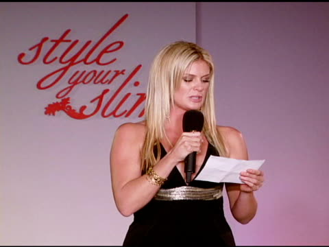 rachel hunter introduces the slim-fast fashion show at the rachel hunter and slim-fast host style your slim event with special guest tim gunn and dj... - レイチェル ハンター点の映像素材/bロール