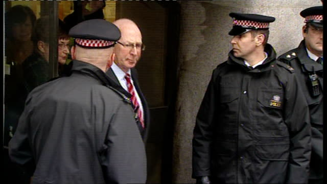 robert napper pleads guilty england london old bailey photography *** andrew nickell and monica nickell along from court ends - robert napper stock videos & royalty-free footage