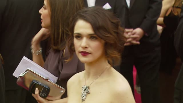 rachel weisz at the 2007 academy awards arrivals at the kodak theatre in hollywood california on february 25 2007 - rachel weisz stock videos & royalty-free footage