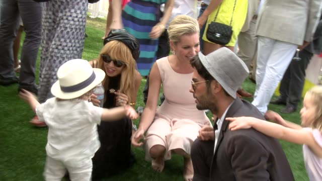 stockvideo's en b-roll-footage met rachel zoe and rebecca romjin at the third annual veuve clicquot polo classic los angeles at will rogers state historic park on 10/6/12 in los... - rebecca romijn