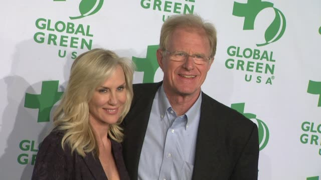 rachelle carsonbegley ed begley jr at global green usa's 9th annual preoscar party on 2/21/12 in hollywood ca - oscar party stock-videos und b-roll-filmmaterial